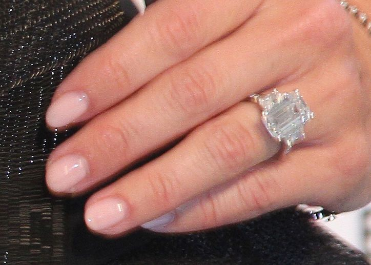 This Celeb Got A Proposal With A Swan And A 6 5 Carat Engagement