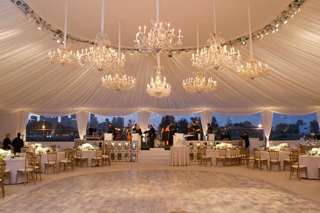 Things That Sparkle One Year Reception Area Chicago Chicago Wedding Venues Rooftop Wedding Venue Outdoor Wedding Reception